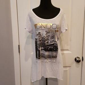 White lace back London Tshirt sz L